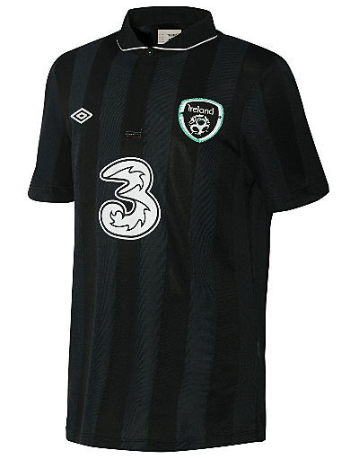 Umbro Republic of Ireland Junior Away Shirt 2013/14