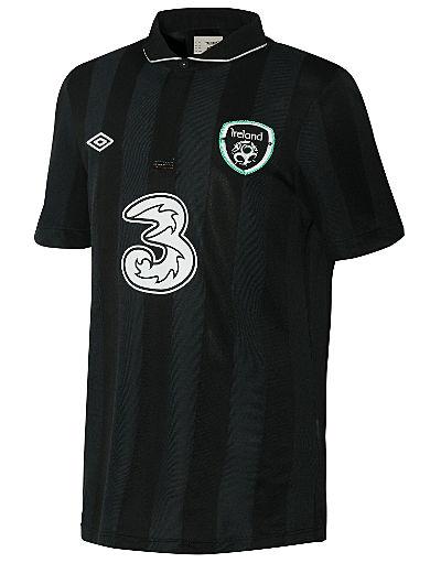 Umbro Republic of Ireland Junior Away Shirt 2013/14