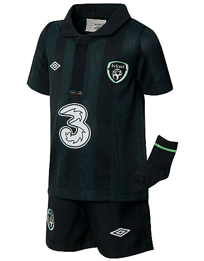 Umbro Republic of Ireland Away Kit 2013/14 Baby