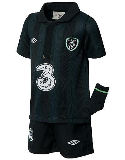 Umbro Republic of Ireland Away Kit 2013/14 Baby