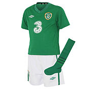 Umbro Rupublic of Ireland Football Kit - Childrens